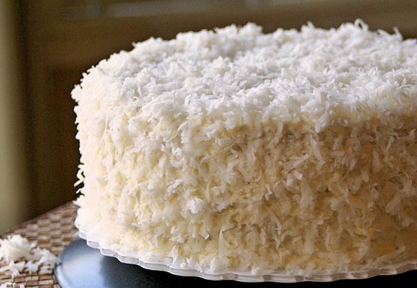coconut frosting cake