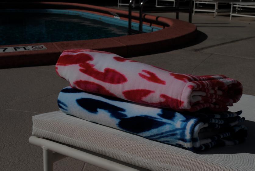 Agila Beach Towel - Cool and Warm