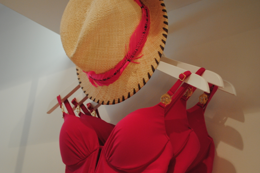 This hat with the swimsuit! Match made in heaven!