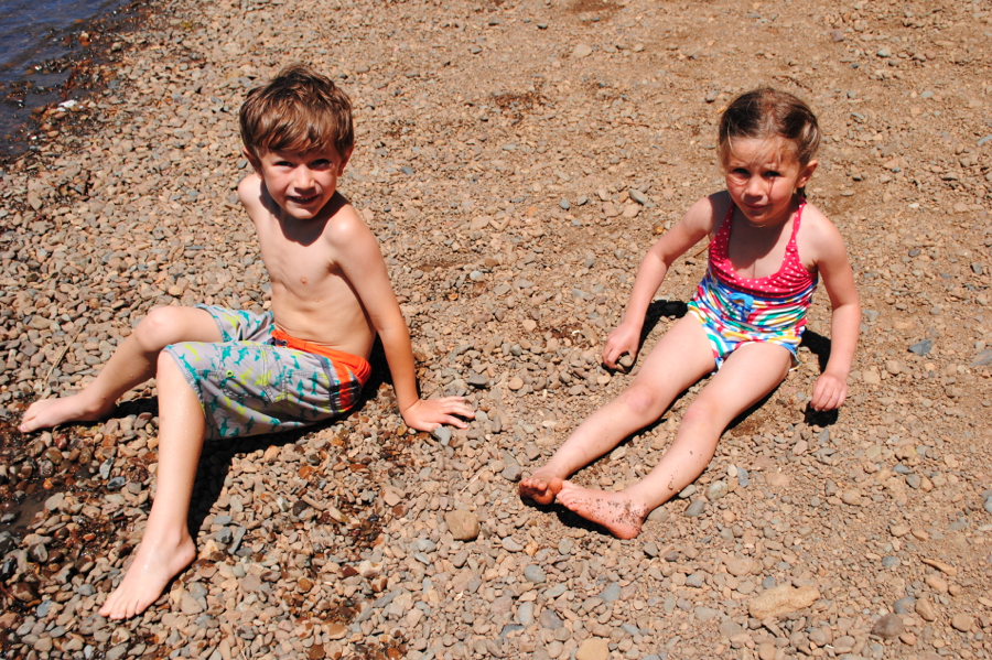 Beach bum cousins, Axel and Alagna.