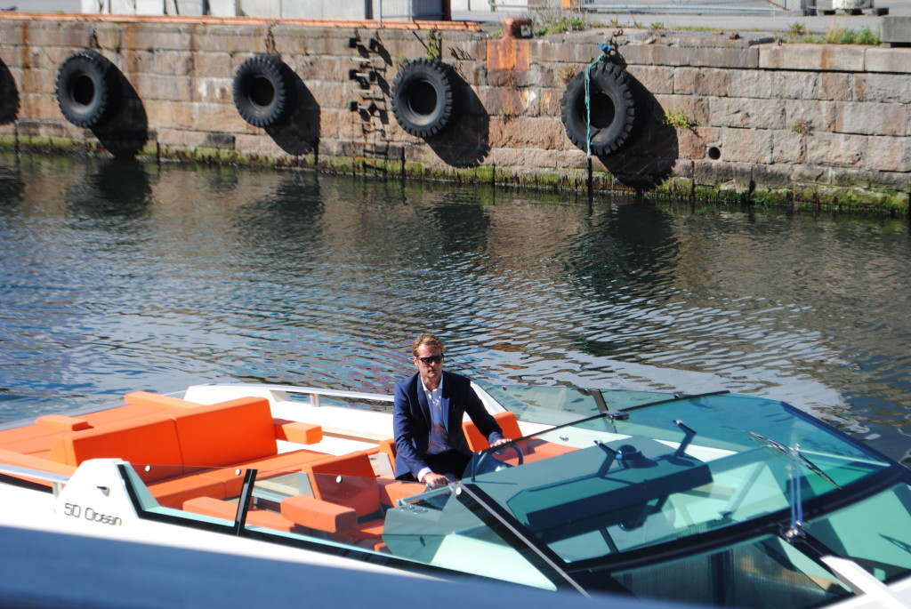 Random Norwegian in a suit looking hot and driving a boat. Love.