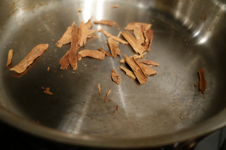 Cinnamon -- now that smells like HOLIDAY!