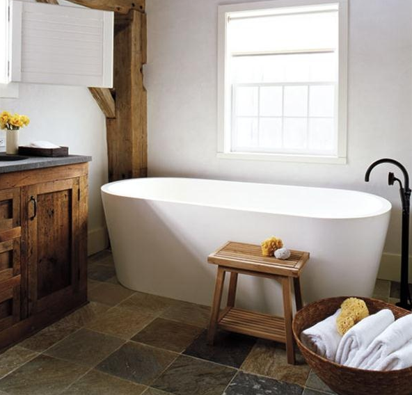 How beautiful and rustic is this bath? I would live in it, if I could!