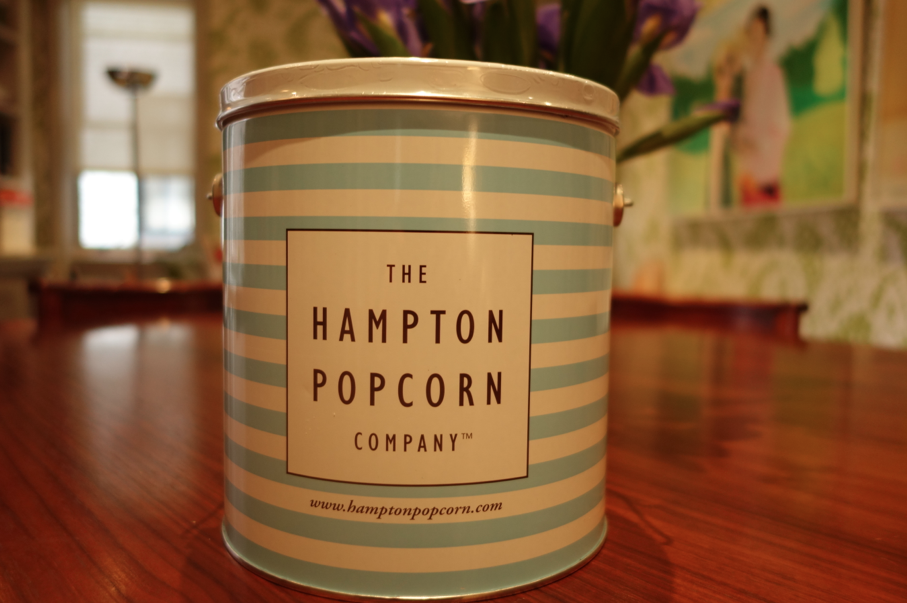 Classy blue and white tin. Preppy cool.