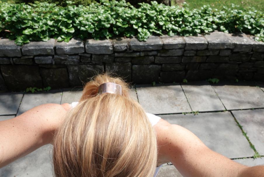 Upside down, backwards selfie. Even harder to shoot.