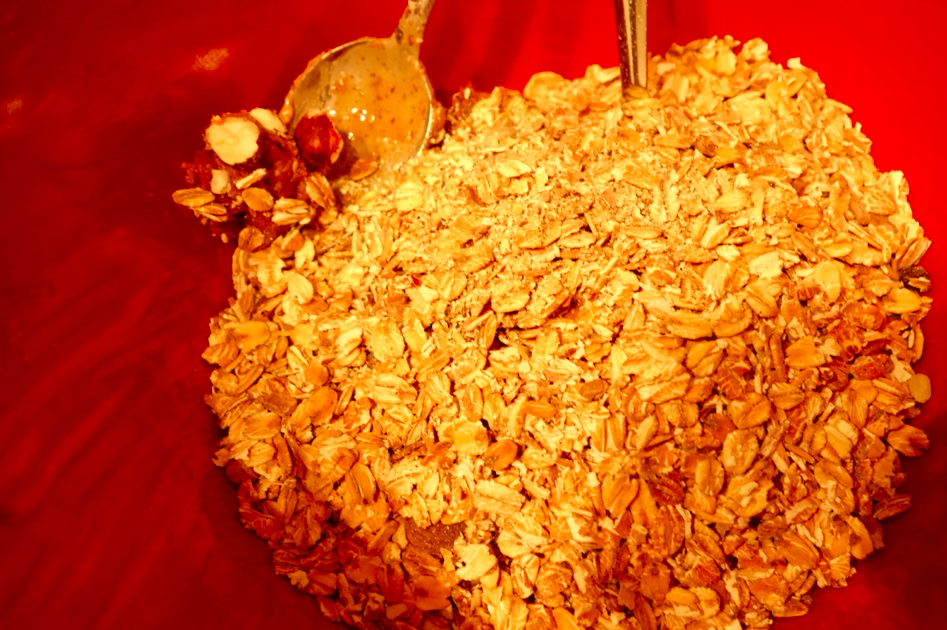 Then add the oats, and mix with the dates / nut mixture.