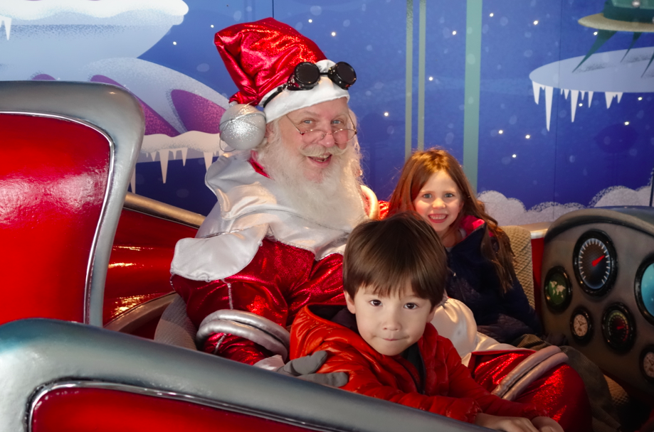 Can you believe it? We MET Santa!