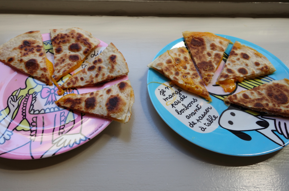 Tada! Lunch! (and these plates are french plates sold on Little Circus, check them out here)
