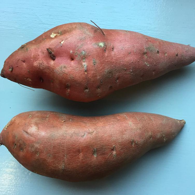 Yam / sweet potato. (Tomato / Tomat-oh)