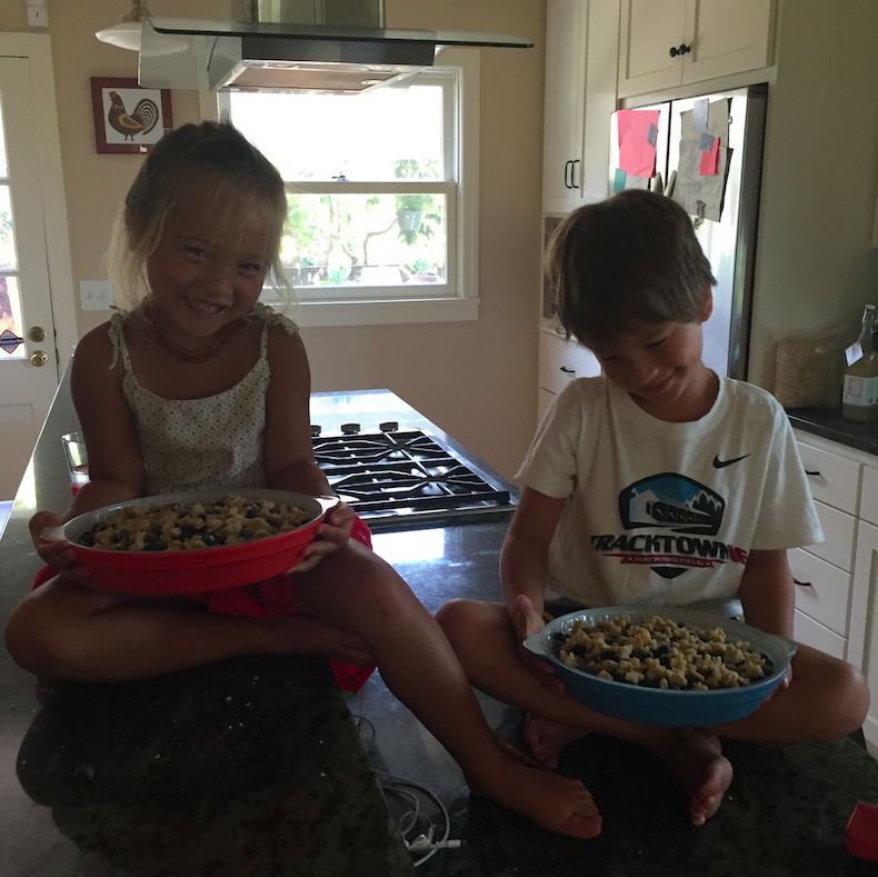 Kiddos with their finished product.
