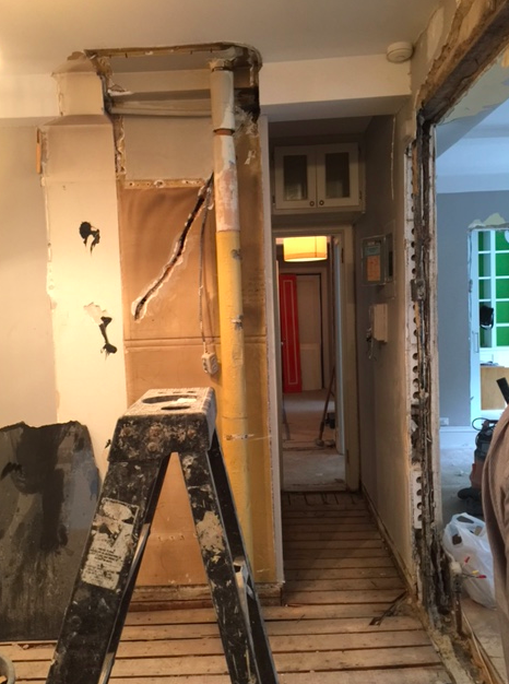You can't tell, but this is my dream kitchen. An open kitchen! We removed a wall between the kitchen and living room, to make one big kitchen and dining room.