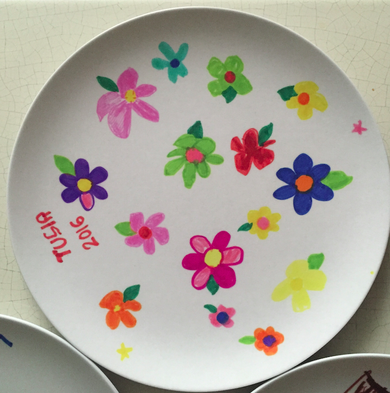 Tusia is extremely artistic and loves drawing flowers and rainbows. Maybe these plates will help her get into NYC kindergarten? (#NotJoking)