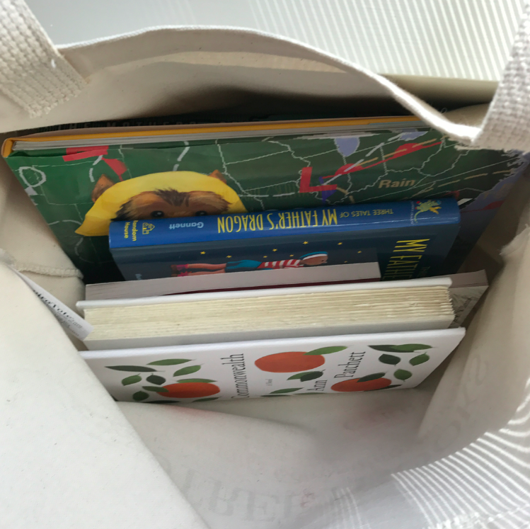 Books make everyone happy!